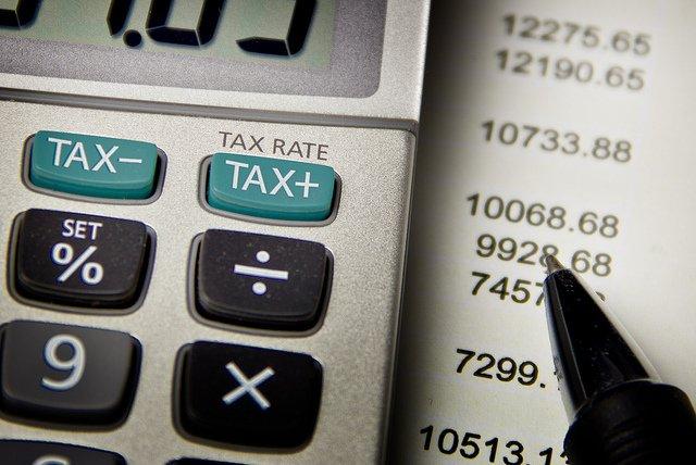 Calculatrice zoomée sur les touches TAX.