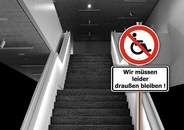 Panneau d'interdiction personnes handicapées
