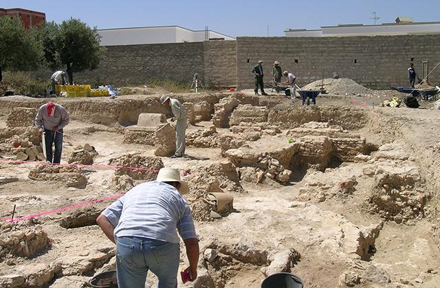Site de fouille archéologique suite à une demande de permis de construire.